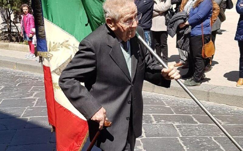 L'ultimo addio al partigiano Ferrigno, simbolo dell'antifascismo. 'U zu Vicinzu, galantuomo tanto amato