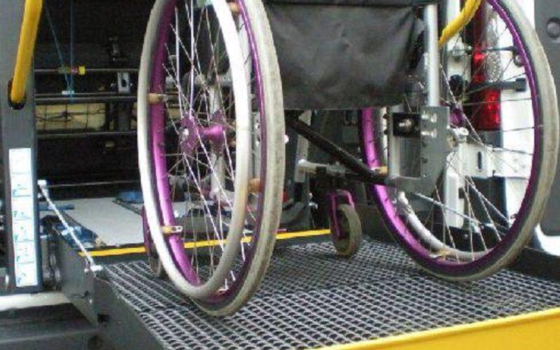 Un pulmino per il trasporto degli studenti portatori di handicap. Convenzione sottoscritta dai comuni di Delia e Sommatino
