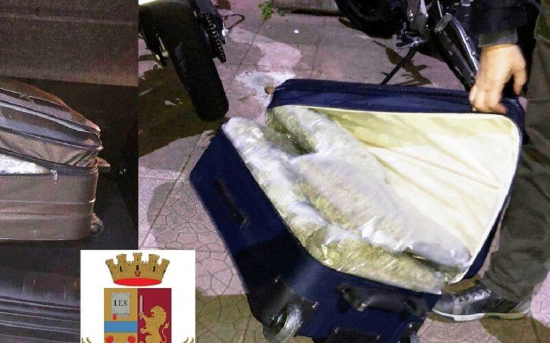 Sbarcano dal traghetto con la droga, arrestati dalla polizia a Messina