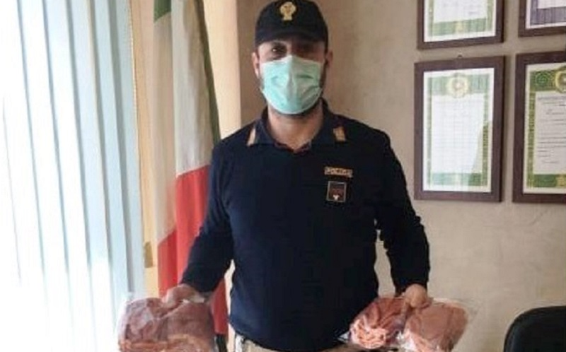 Gela: Confesercenti dona 96 mascherine agli agenti di Polizia. Il questore, Signer: «Grazie»