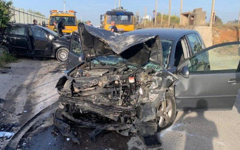 Niscemi: impatto tra due auto, tre persone in prognosi riservata. Uno dei feriti è in Terapia intensiva a Caltanissetta