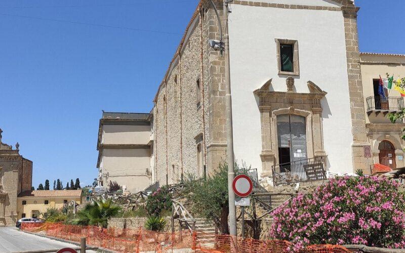 Niscemi, prosegue il restauro della chiesa San Francesco d'Assisi. Consegna prevista entro il 30 settembre