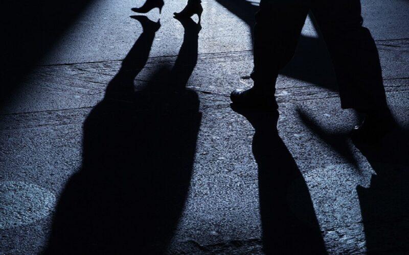 Gela: maltrattamenti alla moglie, le vietava anche di frequentare i parenti. L'uomo ora è agli arresti domiciliari