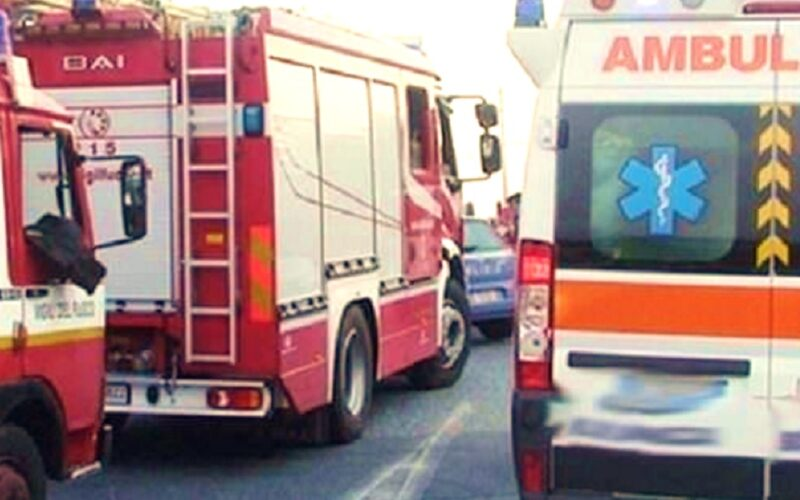 Gela: schianto sulla SS 115, ferito rimane incastrato tra le lamiere. L'impatto tra due autovetture