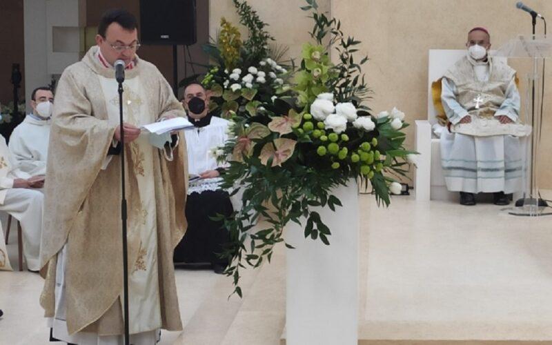 Niscemi: campane a festa e benedizione del vescovo. Ecco il nuovo complesso parrocchiale di Santa Maria della Speranza