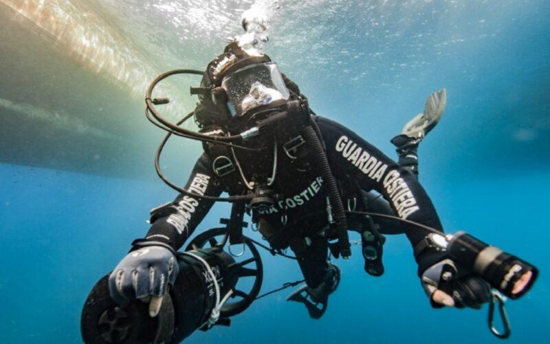 Mare Pulito, subacquei della Guardia costiera bonificano i fondali. Recuperate 12 tonnellate di rifiuti