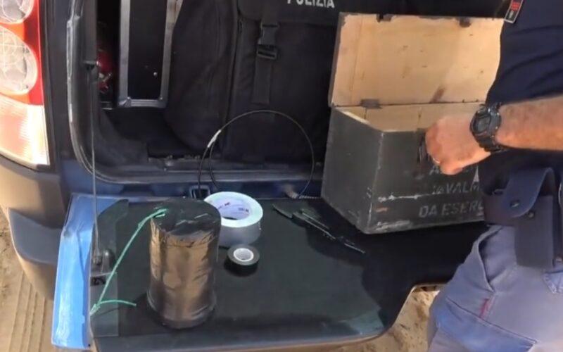 Gela, bomba artigianale nascosta nel letto a cassetti, in carcere un giovane. Sequestrate piantine di cannabis, 8 denunciati