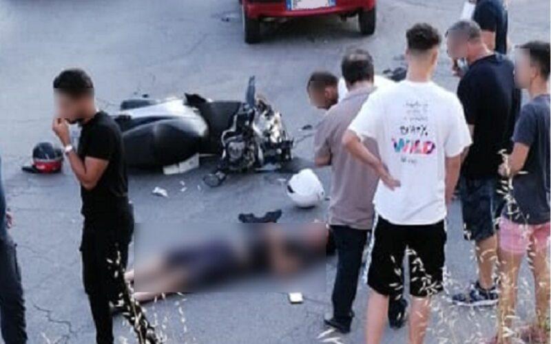 Gela: tir carico di laterizi si ribalta, autista rimane intrappolato. Ragazzo in scooter si schianta in via Paci