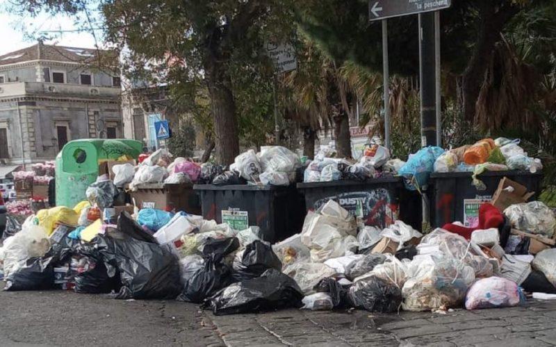 Gela sempre più pattumiera di Sicilia, in arrivo i rifiuti di Catania e Messina. I consiglieri chiedono vertice urgente