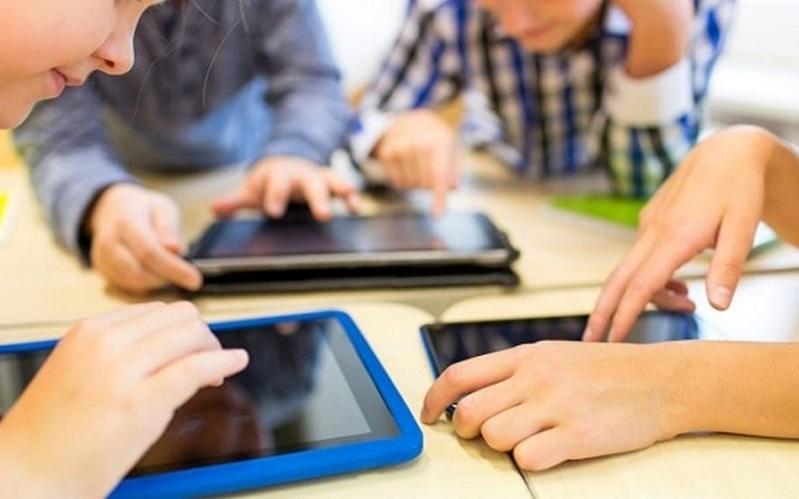 Riesi, tablet e tastiere per i ragazzi del «Carafa». Progetto «Mai inoperosi»