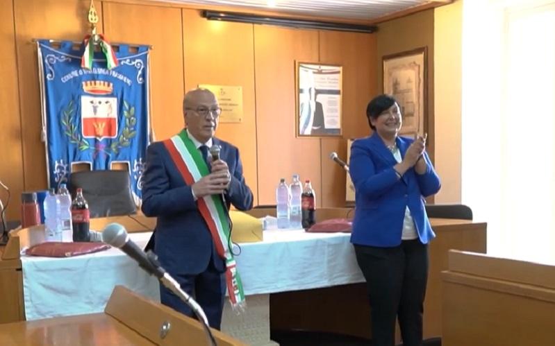 Vallelunga: Montesano si insedia al Comune. Le parole commosse del sindaco e della commissaria