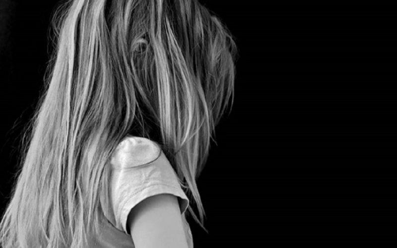 Molestie e foto di nudo, nonno condannato per violenza sessuale. Vittima delle attenzioni morbose la nipotina di 7 anni